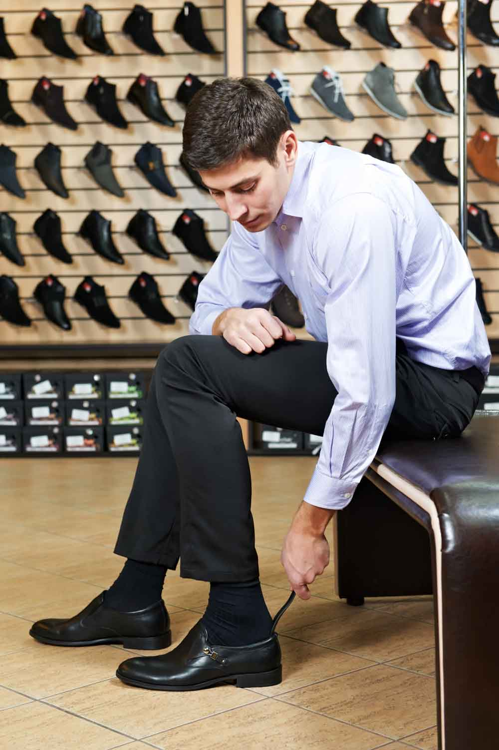 mens-shoe-fitting