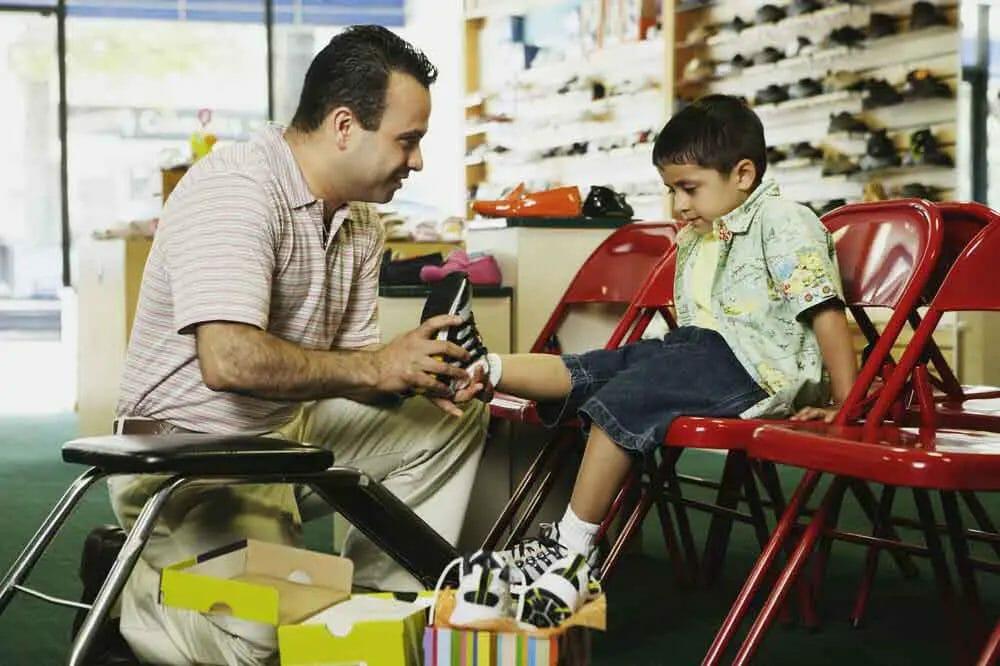children-shoe-fitting