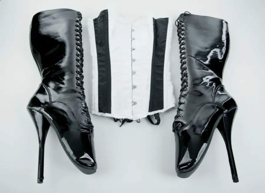 1665824e16e Ballet Boots - Shoe Guide