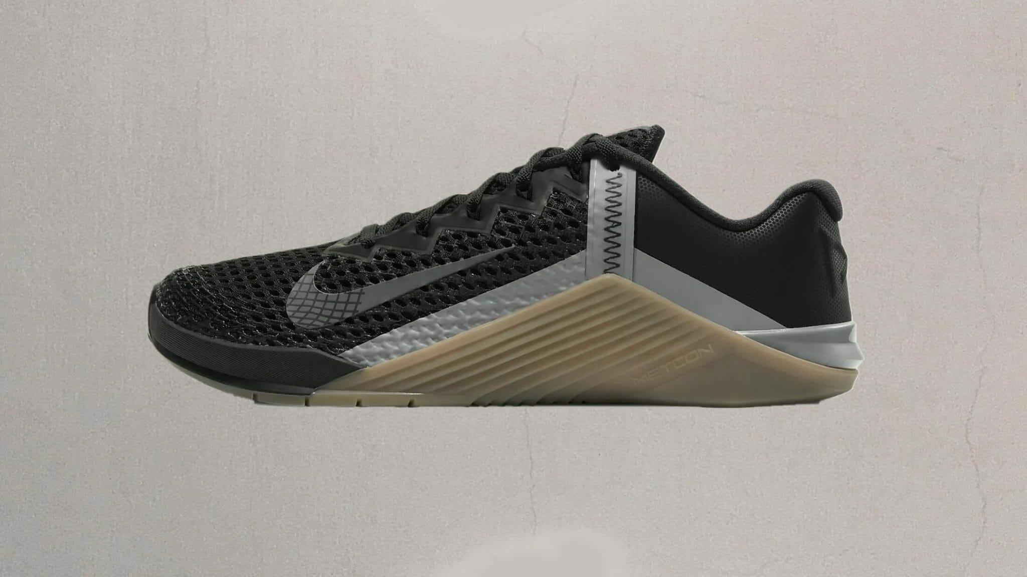 Nike Metcon 6 black and silver profile image.